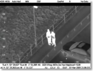 UK: Footage of Birmingham helicopter tracking suspect after